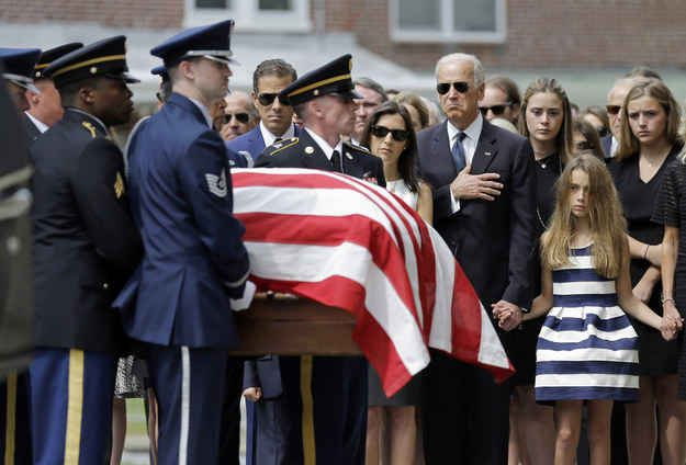 """Obama And Mourners Farewell Beau Biden, A Man With """"A Mighty Heart"""" - BuzzFeed News"""