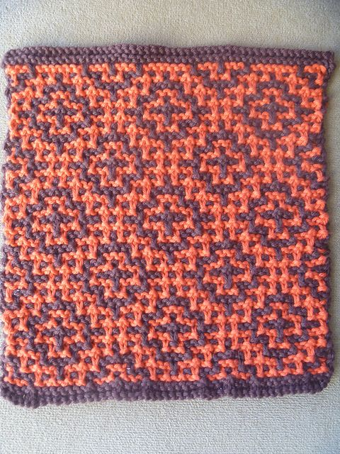 Slip Stitch Pattern. Works best with two strongly contrasting colors. Would make a wonderful scarf, cowl, etc. Ravelry: Turkish Tiles Dishcloth pattern by Rebekah Yeager {free}.