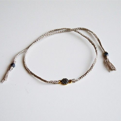SILKE DIAMANT ARMBÅND via NO79. Click on the image to see more!
