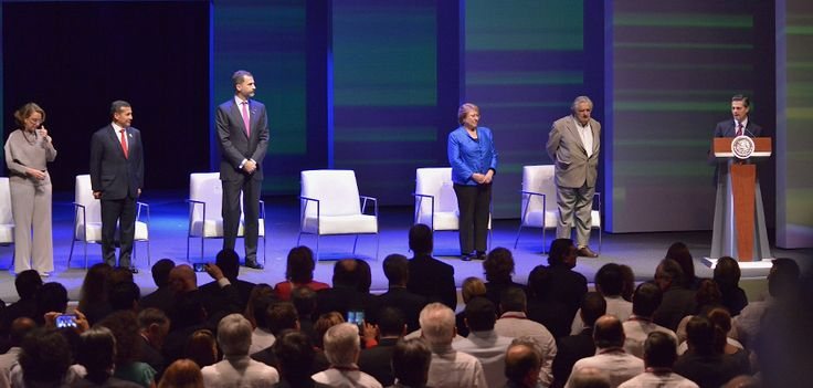 Al evento asistieron, el Rey de España, Felipe VI, y la secretaria general Iberoamericana, Rebeca Grynspan, así como los presidentes de Chile, Michelle Bachelet; de Uruguay, José Mujica, y de Perú, Ollanta Humala.