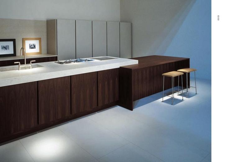Italská designová kuchyně v duchu moderního italského minimalismu od ABC Cucine. Kompletní nabídku této značky naleznete na našich webových stránkách: http://www.saloncardinal.com/galerie-abc-cucine-714