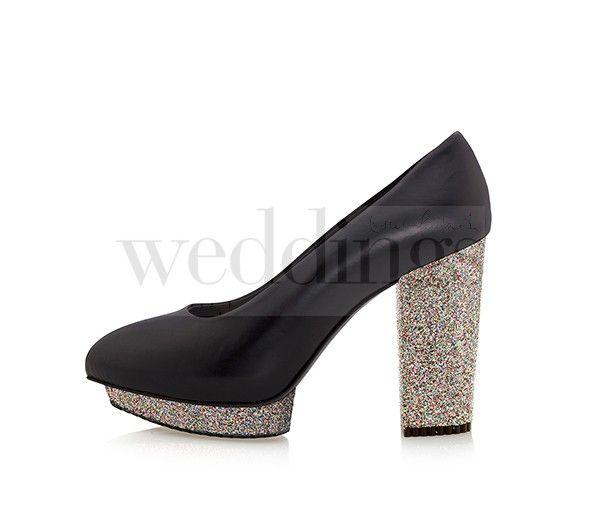 Scarpe per invitate a nozze, per creare il proprio look ogni volta e per ogni occasione. Una sola tomaia e un'ampia varietà di plateau e tacchi da abbinare