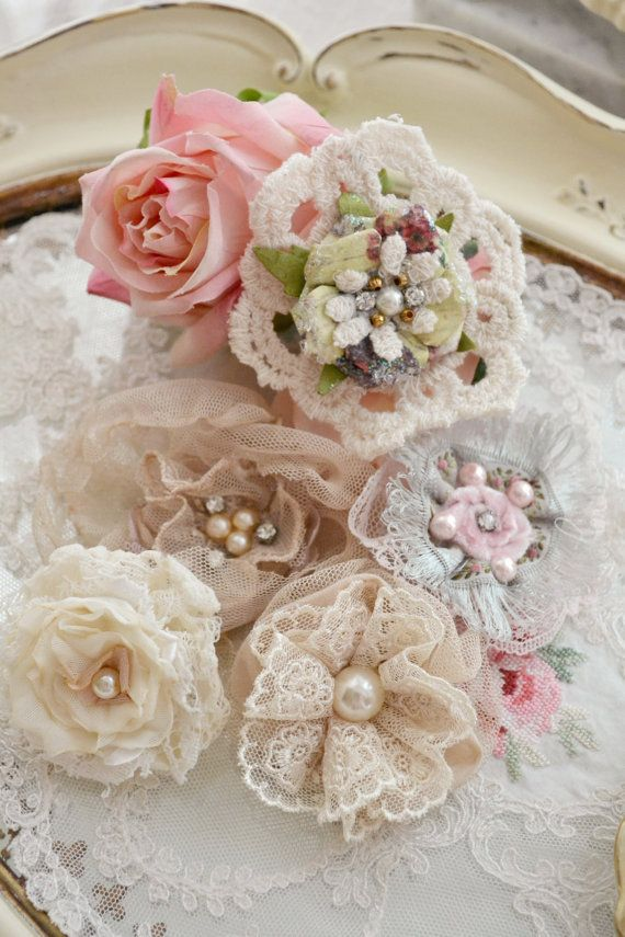 Beautiful Collection of Handmade Flowers and par Jenneliserose