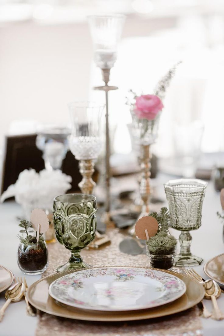 Neutral Colored Vintage Wedding | Erin Morrison Photography - KnotsVilla