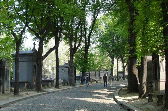 Pere Lachaise Cemetery (very peaceful and green) | Paris, 11e and 20e arrdt.