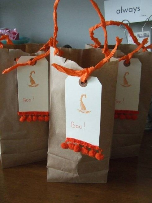Chenille Ball Trim on Gift Tags...great idea: Crafts Ideas, Tags Great Ideas, Gifts Tags Great, Gifts Wraps, Fabulous Gifts, Parties Ideas, Gift Tags, Crafty Ideas