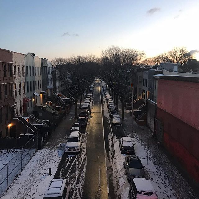 Morning Brooklyn. On our way to connect people. Beautiful morning! #OKTIUM #Morning #Snow #Work #DreamJob #ConnectingPeople #NewYork #NYC #Brooklyn #Road #Success #Motivation #DoIt #ShotOniPhone