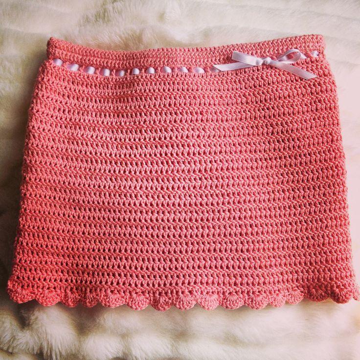 Homemade crochet skirt - to a girl, 6 years old   Hjemmelavet hæklet nederdel - til pige på 6 år  Crochet pattern by me