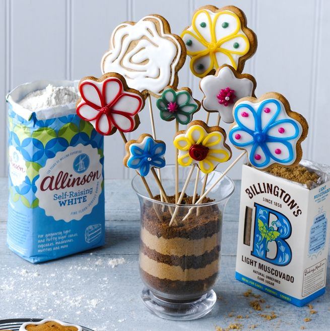 This Gingerbread Flower Biscuits Recipe makes pretty biscuits are a perfect gift idea for someone special, and they taste great too.