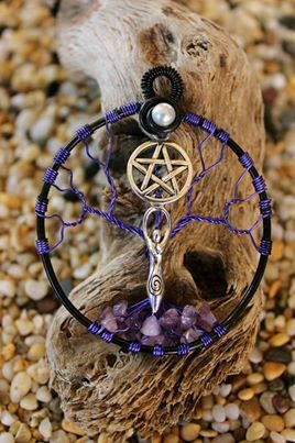 pagan dreamcatcher- Follow me @Amber Sheffield Collections.      Click http://paranormalcollections.com/ to find more awesome occult / paranormal stuff
