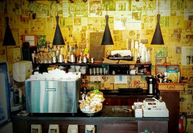 Diseño de Victor Arce para cafeteria calafquén
