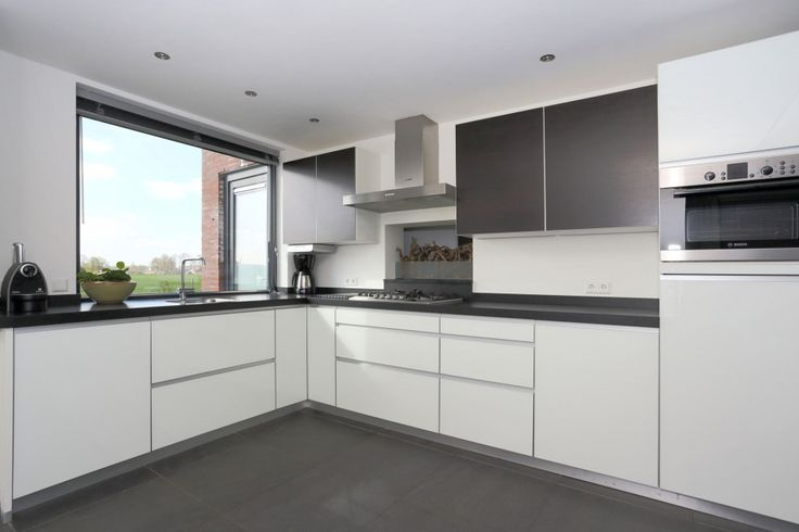 Moderne Witte Keukens op Pinterest - Moderne keukens, Witte hoogglans ...