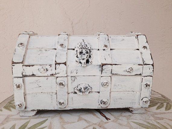 Vintage Shabby Chic Wood Trunk Jewelry Box Scull Rustic Shabby Box Storage Trinket Box Kids Treasure Box White Small Pirate Treasure Chest