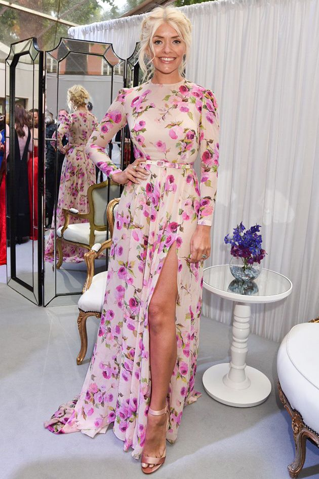 """Get Holly Willoughby's Glamour Awards Style """"Get Holly Willoughby's Glamour Awards Style"""" Get Holly Willoughby's Glamour Awards Style http://jogwag.com/?p=4845"""