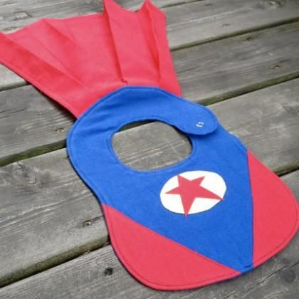 Superbaby bib with cape.