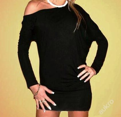 asymetrický černý  kvalitní krásný svetr vel.uni