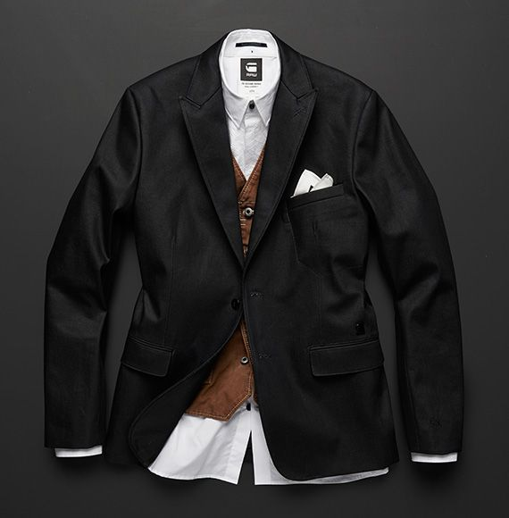 G-STAR RAW MIDNIGHT COLLECTION TIP #27 KEEP IT SQUARE Things can be more hectic than you expect during the holiday season. Keep a pocket square on hand to dress up your blazer as you dash from day to night.