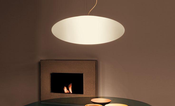 BALOON Lampade da soffitto, applique, plafoniera e piantana con paralume in polietilene bianco. Piantana con base in acciaio cromato