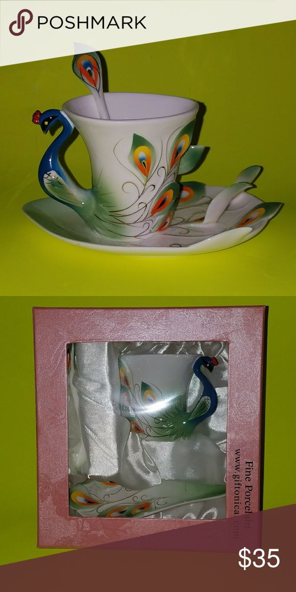 Peacock coffee set Peacock coffee set:cup,spoon and plate. New. Nice gift. If you need I have two of them. Other