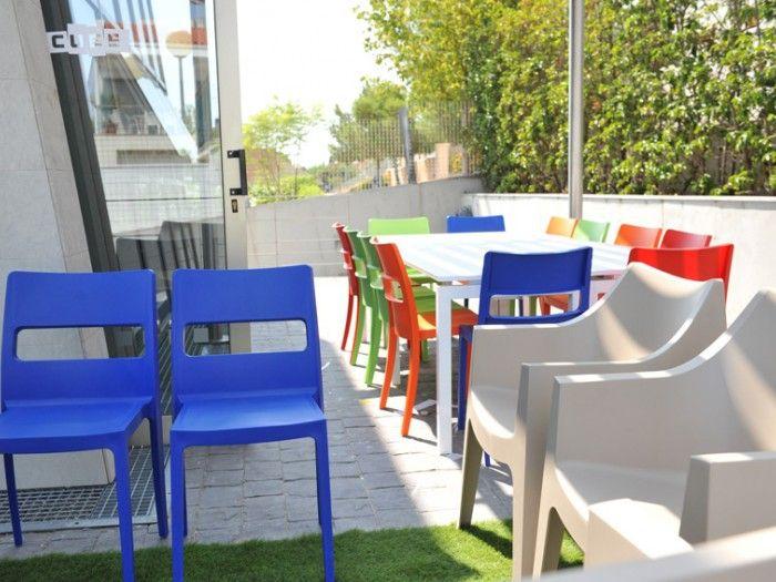 Sai, Coccolona chair by SCAB Design for Centro de Idiomas Cube - Godella, Valencia