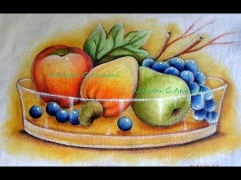Neste vídeo veremos como pintar vaso de vidro transparente com água suco e com frutas.