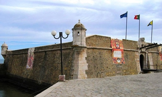FORTE DA PONTA DA BANEIRA,  LAGOS - Keeping watch over the coast and protecting the city of Lagos is the Forte da Ponta da Bandeira (or known by its formal name, Fortress of Nossa Senhora da Penha de França). Built in the late 17th century, the fort completed the defenses of the city.