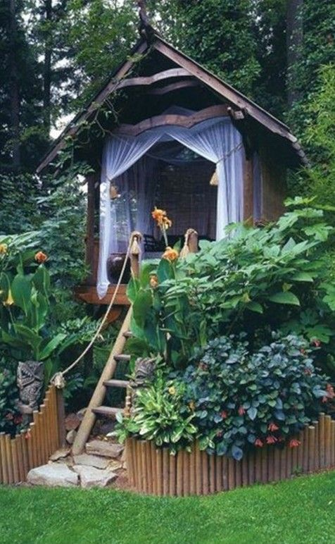 Cozy treeless treehouse
