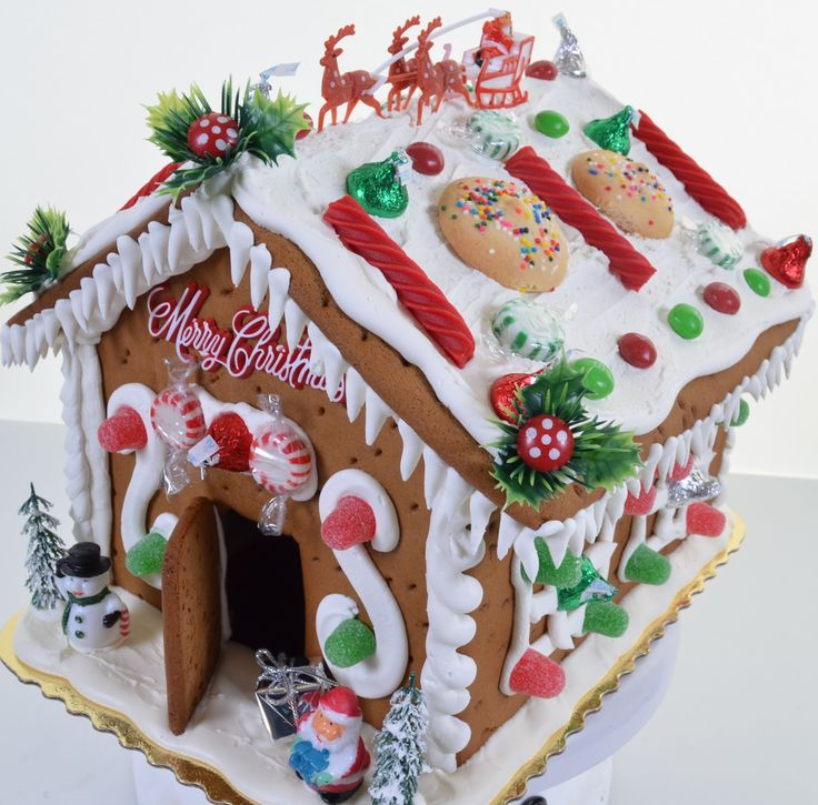 How to Decorate Gingerbread House - Creating Gingerbread with Royal Icing