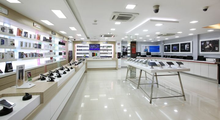 Reliance Digital POS Fixtures For Electronic Retail