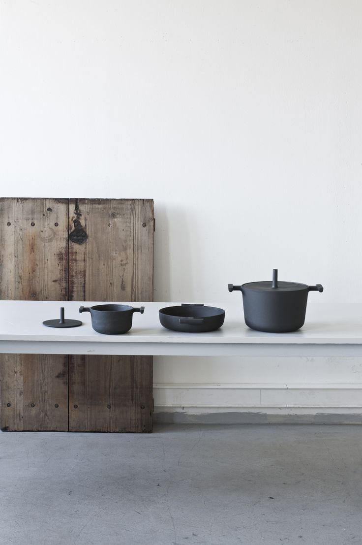 cast-iron JUMBO cookware collection by Daniel Gonzalez  www.mutanta.com