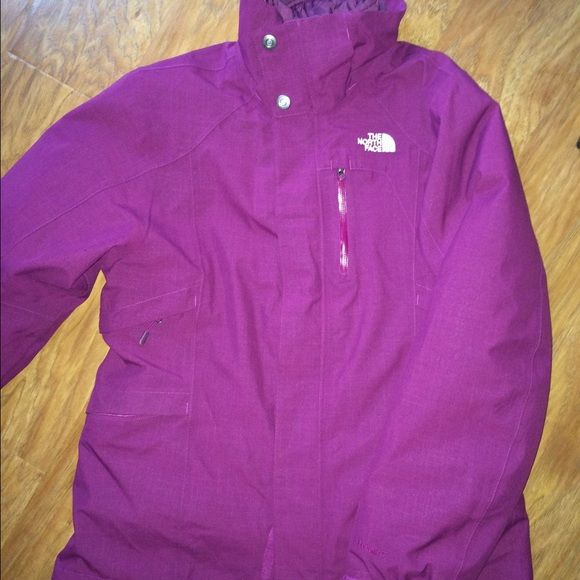 Women's North Face Winter Coat - Size Medium This is a winter coat/ski coat in excellent condition!!!! It's only been worn once!!! Selling because I have too many coats and sweaters in the same color! North Face Jackets & Coats Puffers