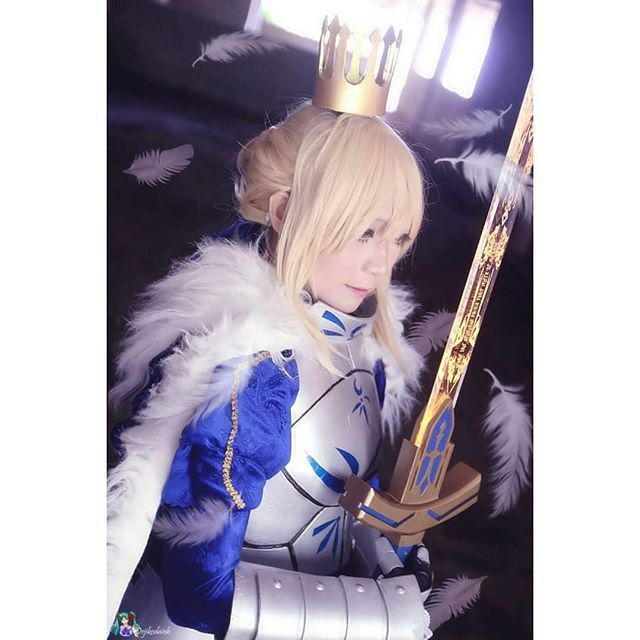 CN : @sherry_miyano Character : Saber Arturia Pendragon - Fate/Grand Order Photo by : Dejikodaioh Cosart & Artwork Edit : @sherry_miyano Excalibur Maker : @gr_production_id
