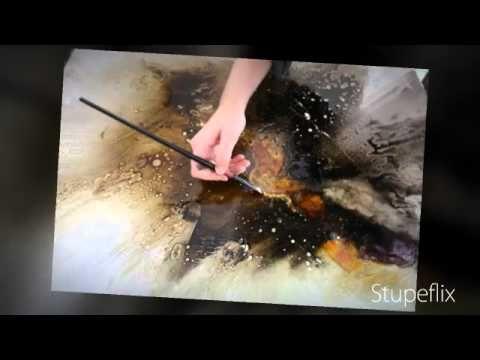 Création d'une peinture abstraite par Christelle Romulus