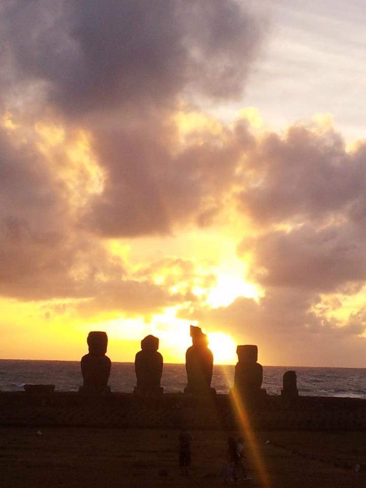 Sunsetazo en Ahu Vai Uri