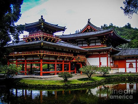 The Byodo-In Temple by Charlene Gauld