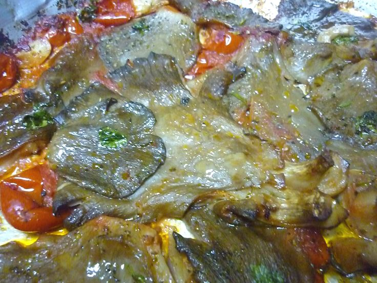 Light and tasty this recipe; mushrooms, already poor in calories and completely fat-free in baking acquire lightness and taste! Perfect! #Pleurotus #mushrooms baked with #tomato sauce