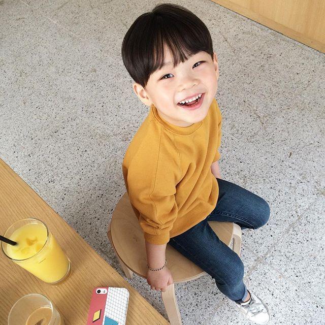 Instagram media by jhanuul - 진짜 봄   #fashion #boy #kid