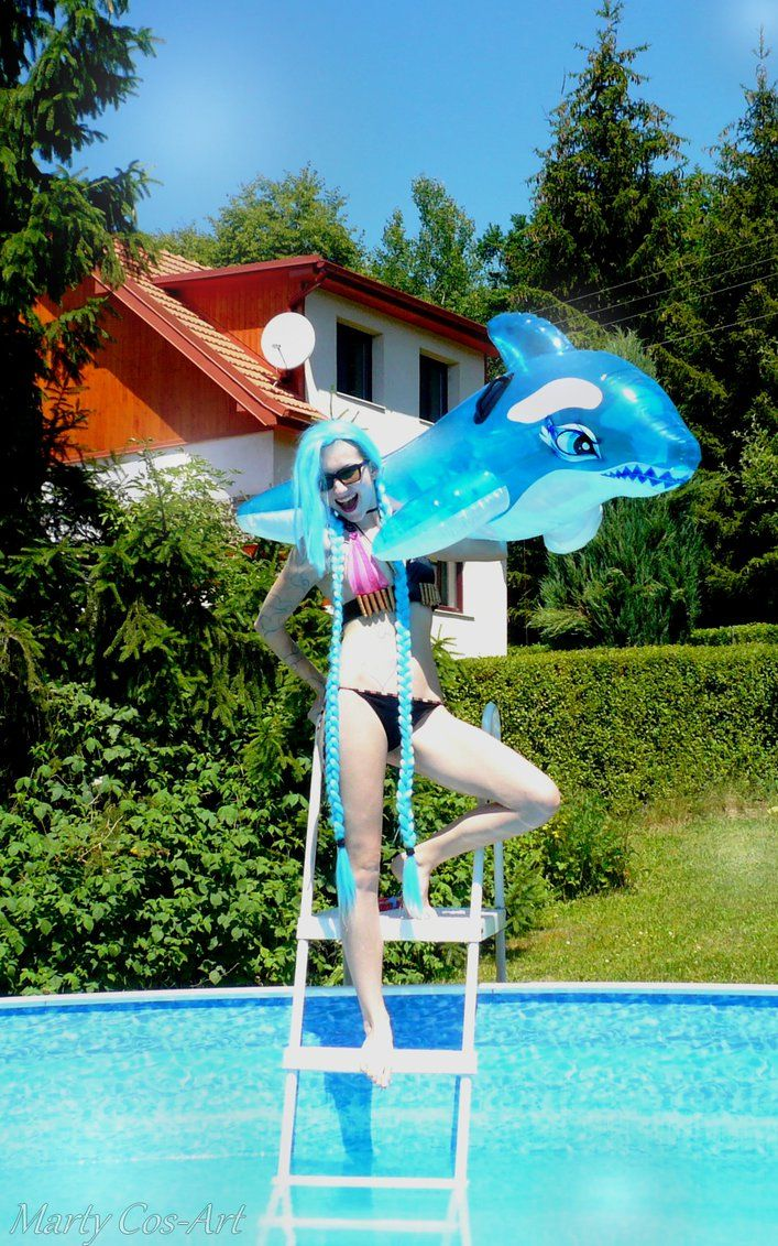 Pool party Jinx (League of Legends) Cosplay by Marty Novotna FB page: facebook.com/MartyCosArt