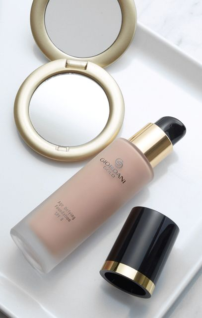 Giordani Gold Age Defying Foundation