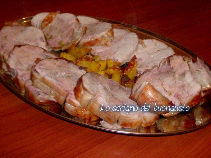 POLLO RIPIENO                                                                CLICCA QUI PER LA RICETTA  http://loscrignodelbuongusto.altervista.org/pollo-ripieno/                                                                   #pollo #secondipiatti #likefood #foodbloggers #ricette
