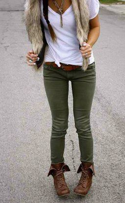 i want some combat boots....like the olive pant, combat boot combo. Not the fur - I have to agree, love the outfit, minus the fur of course.