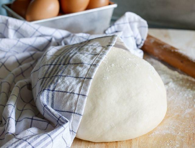 Foszlós kalácsra, fenséges fánkra, finom kuglófra, buktára vagy házi kenyérre vágysz, de nem mersz kelt tésztát készíteni? Olvasd el praktikus tanácsainkat, és nem kell kudarctól tartanod többé!