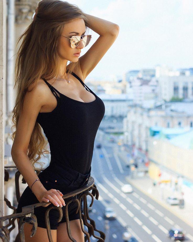 Трусиках фото охрененные женщины фото онлайн скрытая