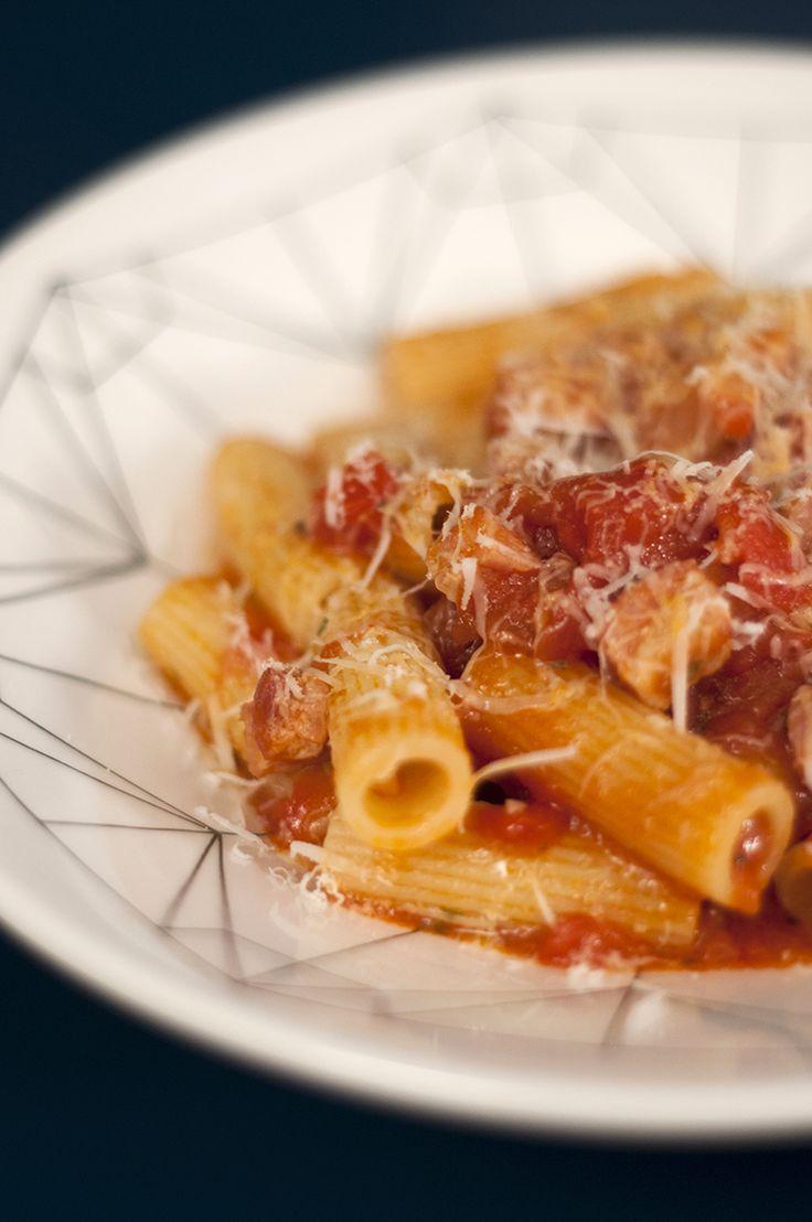 Uma receita deliciosa de Molho Matriciana, um molho de tomate com bacon que vai matar sua fome de gostosura!