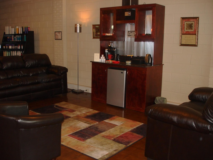 The waiting area, coffee and tea bar at Salon 222.