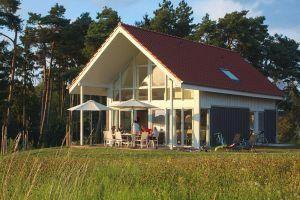 Genieten van rust en natuur tijdens een verblijft in dit ruime vakantiehuis in Röbel and er Müritz, in de regio van het Mecklenburgse merengebied.