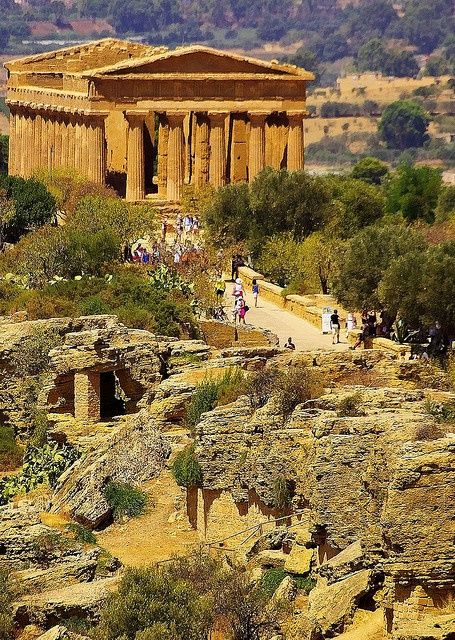 Temple of Concord, Sicily (440 BC-430 BC). (Valley of the Temples: Vaddi di li Tempri) Archaeological site in Agrigento, Sicily, an example of Greek architecture and art and a main Sicilian attraction