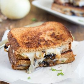 French Onion Grilled Cheese [chefsavvy]