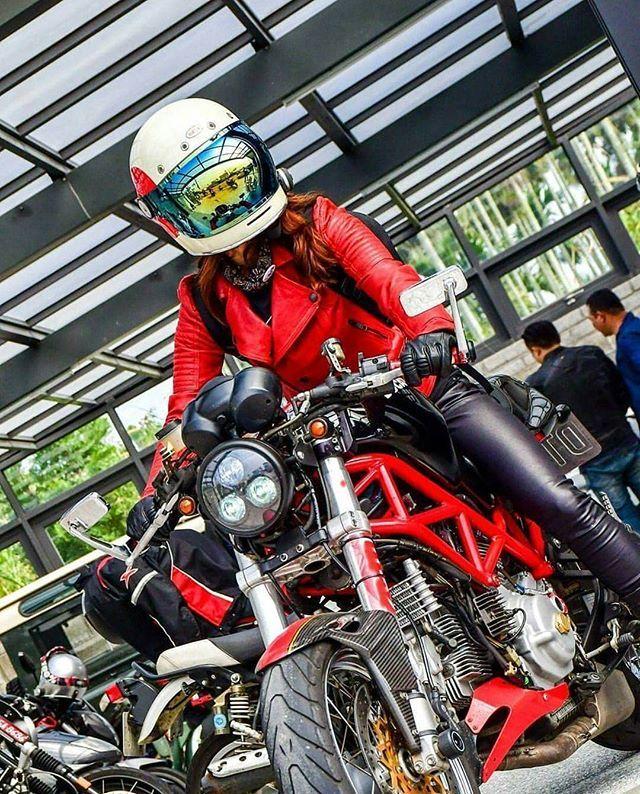 . - @shsh626995 - #AsianGirlRider #亞洲女騎 #GirlsWhoRide #GirlsThatRide #MotoGirl #BikerGirl #BikerChick #Ducati #DuvatiMonster #DucatiM800 #M800 #CafeRacer #DucatiTaiwan #檔車女孩 #女騎士 #重機 #電單車 #女性ライダー #バイク女子 #모터사이클 #여성라이더 #Motosikal #xegắnmáy #motorsiklo #sepedamotor #มอเตอรไซค #мотоцикл