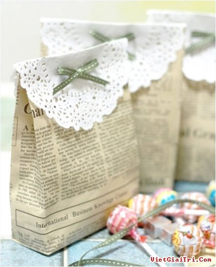 DIY party favors, newspaper bags, doilies
